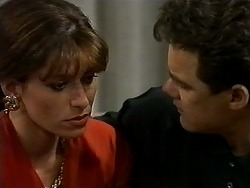 Isabella Lopez, Paul Robinson in Neighbours Episode 1300
