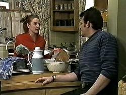 Melanie Pearson, Des Clarke in Neighbours Episode 1306