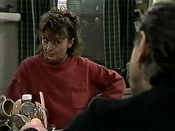 Pam Willis, Doug Willis in Neighbours Episode 1307