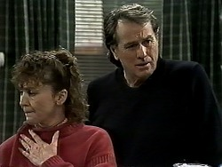 Pam Willis, Doug Willis in Neighbours Episode 1308