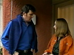Des Clarke, Melanie Pearson in Neighbours Episode 1308