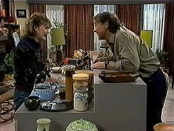 Pam Willis, Doug Willis in Neighbours Episode 1311
