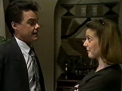 Paul Robinson, Melanie Pearson in Neighbours Episode 1318