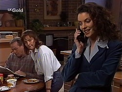 Doug Willis, Pam Willis, Gaby Willis in Neighbours Episode 2226