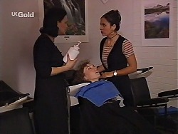 Nadine, Debbie Martin, Vanessa in Neighbours Episode 2226