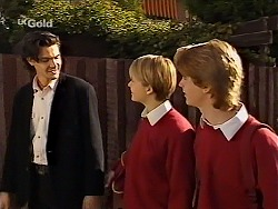 Sam Kratz, Danni Stark, Brett Stark in Neighbours Episode 2227