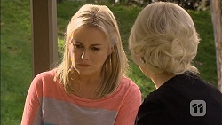 Lauren Turner, Lucy Robinson  in Neighbours Episode 6791