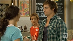 Kate Ramsay, Susan Kennedy, Kyle Canning in Neighbours Episode 6798