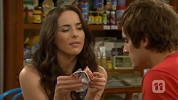 Kate Ramsay, Kyle Canning in Neighbours Episode 6802