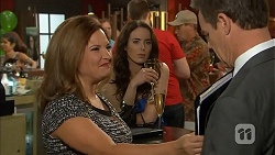 Terese Willis, Kate Ramsay, Paul Robinson in Neighbours Episode 6802
