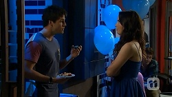 Chris Pappas, Kate Ramsay in Neighbours Episode 6803