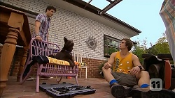 Chris Pappas, Bossy, Kyle Canning in Neighbours Episode 6804