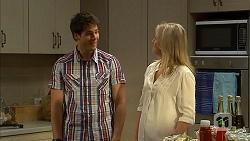 Chris Pappas, Lauren Turner in Neighbours Episode 6804