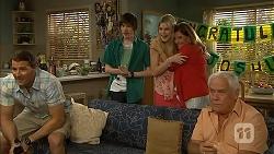 Matt Turner, Bailey Turner, Amber Turner, Terese Willis, Lou Carpenter in Neighbours Episode 6804
