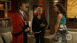 Paul Robinson, Lucy Robinson, Kate Ramsay in Neighbours Episode 6808