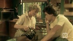 Helen Daniels, Paul Robinson in Neighbours Episode 6808