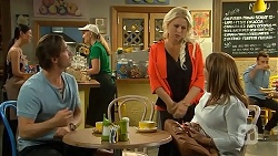 Brad Willis, Lucy Robinson, Terese Willis in Neighbours Episode 6809