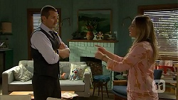 Toadie Rebecchi, Sonya Mitchell in Neighbours Episode 6811