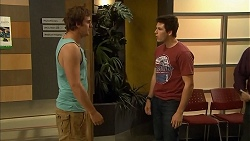 Kyle Canning, Chris Pappas in Neighbours Episode 6811