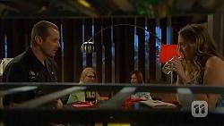 Toadie Rebecchi, Sonya Rebecchi in Neighbours Episode 6812