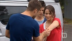 Mark Brennan, Chris Pappas, Kate Ramsay in Neighbours Episode 6816