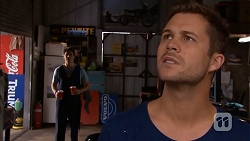 Chris Pappas, Mark Brennan in Neighbours Episode 6816