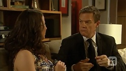 Kate Ramsay, Paul Robinson in Neighbours Episode 6817