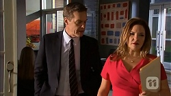 Paul Robinson, Terese Willis in Neighbours Episode 6818