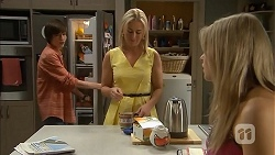 Bailey Turner, Lauren Turner, Amber Turner in Neighbours Episode 6819