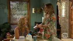 Georgia Brooks, Sonya Mitchell in Neighbours Episode 6820