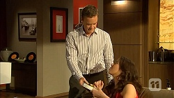 Paul Robinson, Kate Ramsay in Neighbours Episode 6820