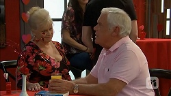 Sheila Canning, Lou Carpenter in Neighbours Episode 6820
