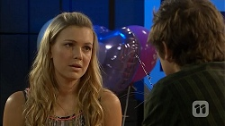Georgia Brooks, Kyle Canning in Neighbours Episode 6820