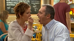 Susan Kennedy, Karl Kennedy in Neighbours Episode 6820