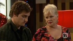 Kyle Canning, Sheila Canning in Neighbours Episode 6821