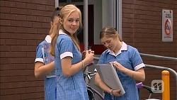 Josie Mackay in Neighbours Episode 6824