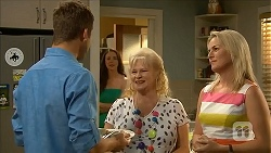 Mark Brennan, Kate Ramsay, Sheila Canning, Lauren Turner in Neighbours Episode 6825