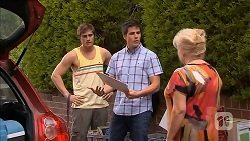 Kyle Canning, Chris Pappas, Sheila Canning in Neighbours Episode 6826