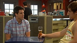 Chris Pappas, Kyle Canning in Neighbours Episode 6827
