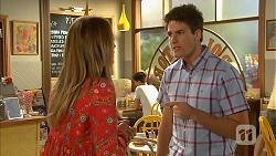 Sonya Mitchell, Chris Pappas in Neighbours Episode 6827