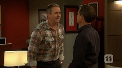 Karl Kennedy, Paul Robinson in Neighbours Episode 6827