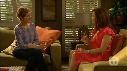 Susan Kennedy, Rebecca Napier in Neighbours Episode 6829