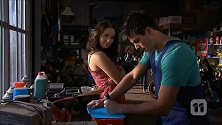 Kate Ramsay, Chris Pappas in Neighbours Episode 6830