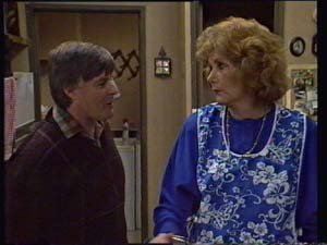 Tom Ramsay, Madge Bishop in Neighbours Episode 0328