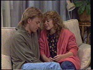 Scott Robinson, Charlene Mitchell in Neighbours Episode 0328