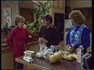 Charlene Mitchell, Madge Bishop, Tom Ramsay in Neighbours Episode 0328