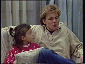 Lucy Robinson, Scott Robinson in Neighbours Episode 0328