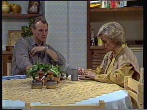 Helen Daniels, Jim Robinson in Neighbours Episode 0329