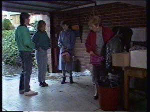 Mike Young, Jane Harris, Nell Mangel, Eileen Clarke in Neighbours Episode 0329
