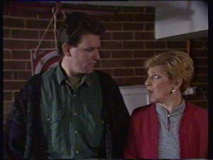 Des Clarke, Eileen Clarke in Neighbours Episode 0329
